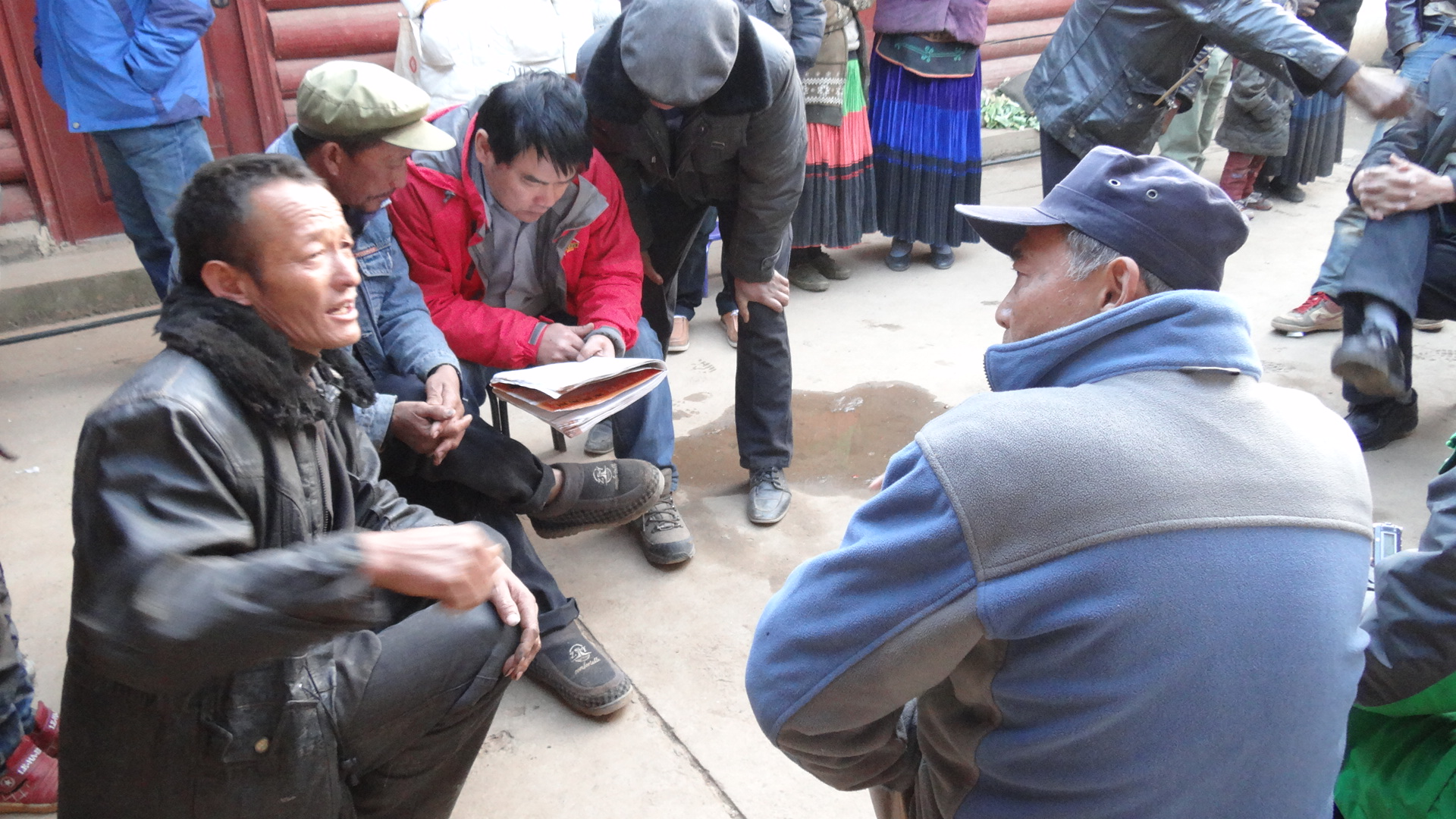 Yu Xiaogang meeting with villagers scheduled for resettlement in Muli