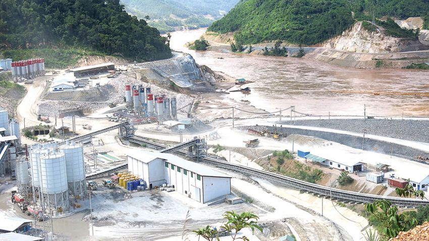 Construction of the Xayaburi Dam in Laos