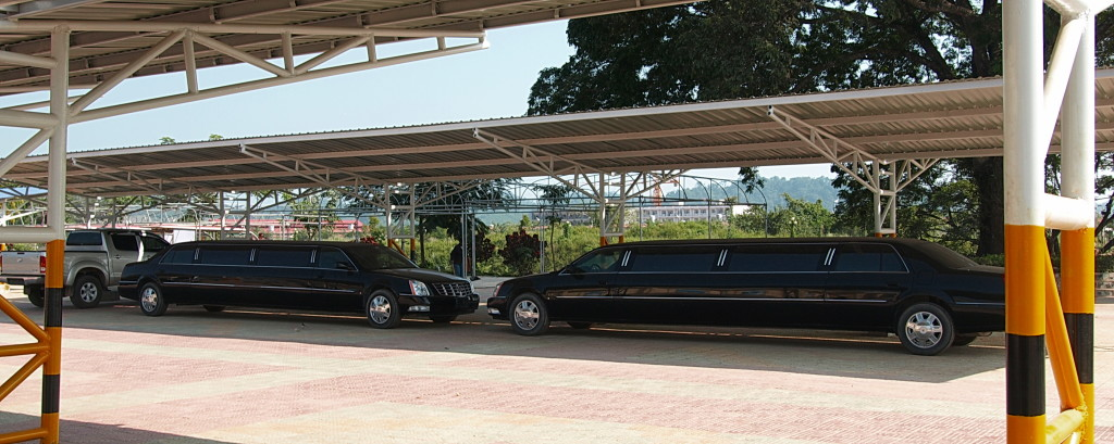 Stretch limousines pick up selected high rollers from the airport (Photo by Melinda Boh.)