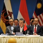 Chinese Foreign Minister Wang Yi and ASEAN foreign ministers at special foreign ministers' meeting in Kunming / AFP PHOTO